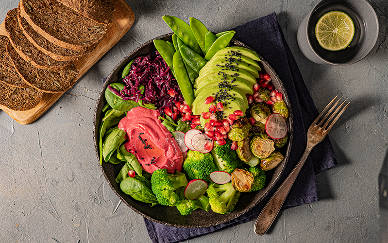 Buddha Bowl mit Avocado